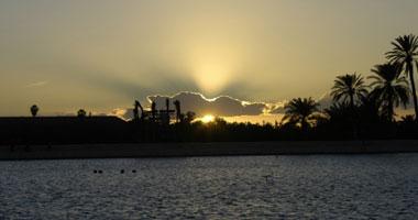 التعرض أشعة الشمس بصورة منتظمة smal120121492648.jpg
