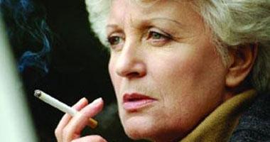التعرق الليلى المرتبط بانقطاع الطمث أكثر شيوعا عند النساء المدخنات