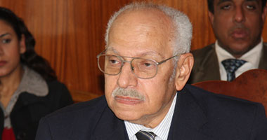 كمال أبو المجد: بعض أعضاء الإخوان غير راضين عن مقاطعة الاستفتاء