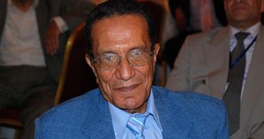 عاطف البنا: مبارك سيخضع للمحاكمة