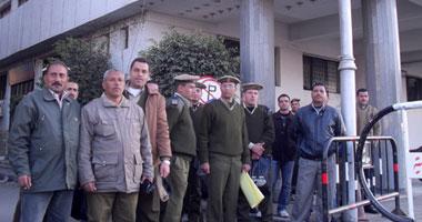 الأمن المركزى يحاصر مظاهرة أمناء