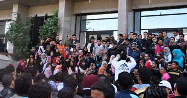 """""""النقابات المستقلة"""" يدعو وفود المؤتمر العمل العربى للتضامن مع العمال المصريين"""