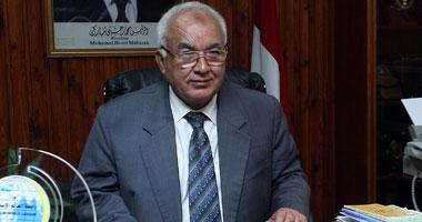 زيارة مفاجئة لرئيس جامعة الأزهر لتفقد المدن الجامعية smal5201030121326.jp