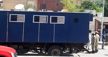هروب تاجر مخدرات فى هجوم على سيارة ترحيلات بمطروح Smal520111414153