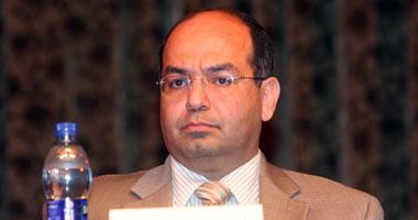 د.أشرف بيومى رئيس الإدارة المركزية لقطاع الشئون الصيدلية