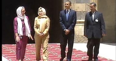 كلينتون بالحجاب فى مسجد السلطان حسن Smal620094122221