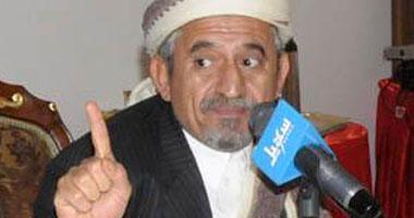 صادق الأحمر يؤيد منصور نائب