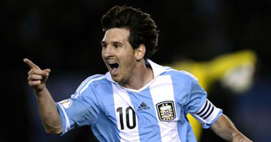 بالفيديو ميسى يقود الأرجنتين للفوز الأورجواى بثلاثيه نظيفه 2012 smal620123115538.jpg
