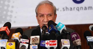 حتاتة: أرفض دعوات وضع مادة فوق دستورية تجعل الجيش ضامنا لنظام الحكم smal720111132956.jpg