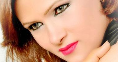 الممثلة الشابة سمية حاتم