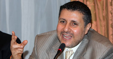 بدء ندوة حزب الدستور حول التعديلات الدستورية بحضور نجاد البرعى وناصر أمين