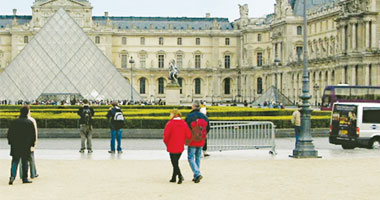 د. سعيد اللاوندى يكتب من باريس: كل عقول مصر العظيمة على جدران بلد الجن والملائكة