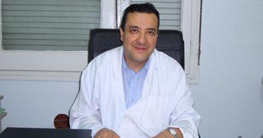 الدكتور هشام الخياط أستاذ الجهاز الهضمى والكبد بمعهد تيودور بلهارس