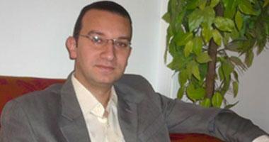 الدكتور أمير حمزة استشارى أمراض العيون