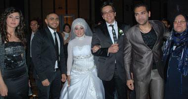 فضيحة ابو الليف وعلا رامى فى حفل زفاف امجد وسماح وتامر حسنى يشهد على عقد الزواج small420111115542.jpg