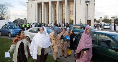 طبيبة أمريكية تعتنق الإسلام لاحترامه حقوق المرأة small9200815225422.j