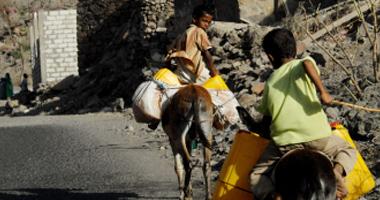 مسؤول سعودى: مساعدات طبية وغذائية تصل إلى اليمن على ظهور الحمير