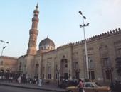 حبس 3 متهمين كونوا تشكيلا عصابيا لسرقة رواد مسجد السيدة زينب