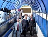 وزير الإسكان يفتتح كوبرى مشاة جامعة القاهرة