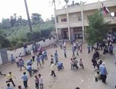 نيابة منيا القمح تحقق مع مدرس متهم بالتعدى على طالب بالضرب المبرح