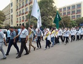 بالصور.. طابور عرض للجوالة بأعلام الكليات فى جامعة عين شمس