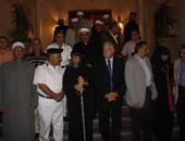 محافظ جنوب سيناء يهنئ الأنبا أبوللو على سلامته من حادث سير