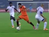 بالفيديو.. دوس سانتوس يسجل هدف مارادونى فى الدورى الهندى