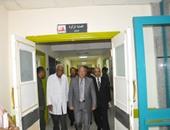 محافظ أسوان يُوجّه بالصيانة الدورية لأجهزة غسيل الكلى بالمستشفيات