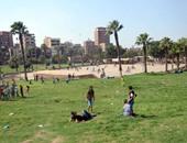 إقبال متوسط للمواطنين على حديقة الفسطاط بأول أيام العيد