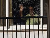 """بالصور.. سوزان مبارك تحيى المحتفلين بأعياد أكتوبر من شرفة """"المعادى العسكرى"""""""