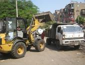 نظافة الجيزة توزع 15 حاوية جديدة لجمع القمامة بالشوارع