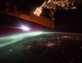 رائد فضاء يرسل صورة مذهلة للحظة الشفق على كوكب الأرض من الفضاء