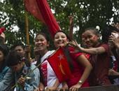"""بالصور.. أنصار زعيمة المعارضة فى ميانمار """"سان سو كى"""" يستقبلونها فى يانجون"""