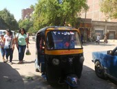 حى الزيتون يصادر 40 توك توك مخالف فى الشوارع الرئيسية