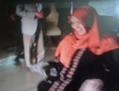 """بالصور.. محافظ كفر الشيخ يسلم سيدة معاقة """"كرسى كهربائى"""""""