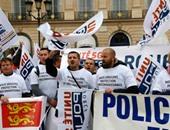 بالصور.. الشرطة الفرنسية تتظاهر للمطالبة بأحكام أكثر ردعا بحق المجرمين