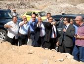 محافظ القاهرة يتفقد أعمال إخلاء المناطق الخطرة بمنشآة ناصر