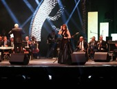 محافظ الإسكندرية يطالب حضور المهرجان بالوقوف دقيقة حدادا على ضحايا مركب رشيد