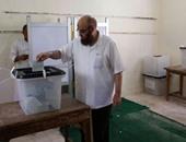 يونس مخيون يتجاهل حديث الانسحاب: الحملة الانتخابية للحزب تعمل على قدم وساق