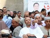 بالصور.. زغاريد وأعلام مصر بلجنة المعهد الدينى بالعياط