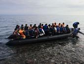 """بالصور.. السوريون والأفغان.. """"مهاجرون بلا أنصار"""" على شواطئ اليونان"""
