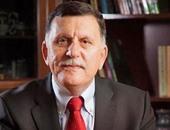 سفير بريطانيا لدى ليبيا يطالب بمقاطعة المؤسسات الموازية لحكومة السراج