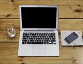 دعوى قضائية ضد أبل تتهمها ببيع أجهزة ماك بوك مزودة بلوحات مفاتيح تالفة