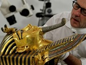 ملك الملوك توت عنخ آمون بين يدى خبراء الترميم