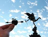 بالصور.. فنان إنجليزى يعيد تشكيل المعالم الشهيرة باستخدام قصاصات الورق