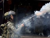 قوات الاحتلال الإسرائيلى تواصل حصار الخليل وتطلق الغاز على الفلسطينيين