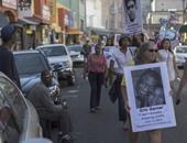 بالصور.. عشرات المتظاهرين فى الولايات المتحدة ضد عنف الشرطة الأمريكية