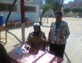 """""""القومى للمرأة"""" بالوادى الجديد يتابع تصويت النساء باللجان الانتخابية"""