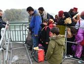 واشنطن بوست: أوروبا تضغط بشدة على بعض الدول لقبول المهاجرين المرحلين