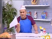 """بالفيديو.. القرموطى يظهر على الهواء مرتديا زى """"الشيف"""" ويحذر من اللحوم المصنعة"""